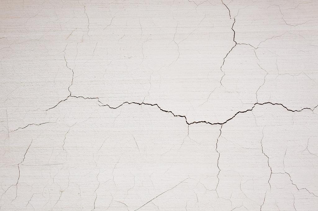 外壁の劣化原因と耐用年数